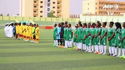 لاعبات كرة قدم سودانيات يخطفن الأضواء بمهاراتهن وجرأتهنّ على تحدي المجتمع