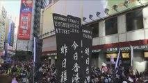 Una gran marcha pacífica recorre Hong Kong pidiendo reformas democráticas