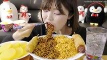 【Korean Subtitles】韓国インスタントコッコッコッの2つの味混ざった版!チャラポッキ、チーズゲティ!