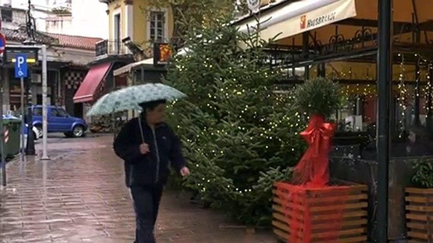 Την Πέμπτη με Γιώργο Λιανό και Γιάννη Βαρδή η φωταγώγηση του χριστουγεννιάτικου δέντρου στη Λαμία