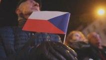 Miles de checos piden la dimisión del primer ministro por caso de corrupción
