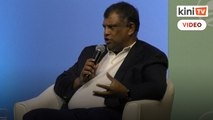 Tony Fernandes recalls how he handled the aftermath of Flight 8501