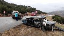 Otomobil ile kamyonetin çarpışması sonucu baba ve oğlu öldü - ISPARTA