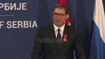 Vuçiç uron nobelistin Handke: Serbia ju konsideron mik të vërtetë