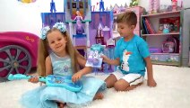 Diana and Roma play with Frozen 2 toys