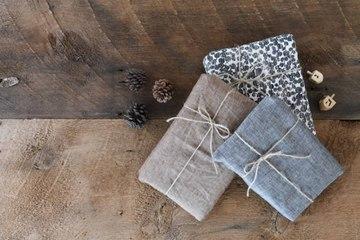 Wie kann man Geschenke originell und nachhaltig verpacken?