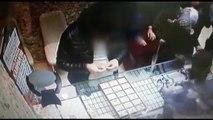 Kuyumcudan hırsızlık anı güvenlik kamerasında - İZMİR