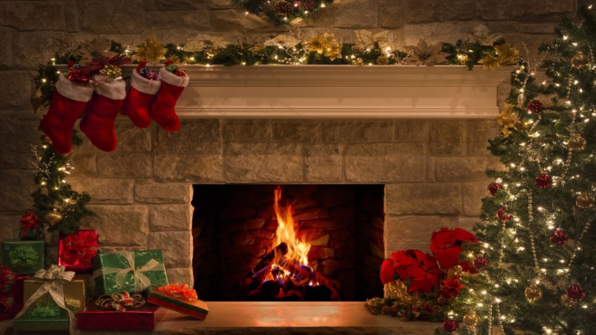 Christmas Fireplace 4K | 12 Hours  of Peace and Crackling logs, Christmas Fire burning