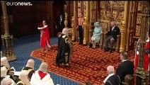 Elizabeth II prononce le discours du trône, le Brexit bille en tête pour Johnson
