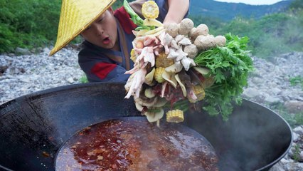 【Shyo video】5斤大公雞,再配上100多根火鍋串串,邊煮邊吃,真爽