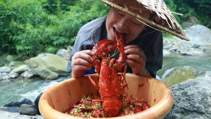 【Shyo video】How to cook a big lobster and seafood pot in Chinese style? That's absolutely delicious!