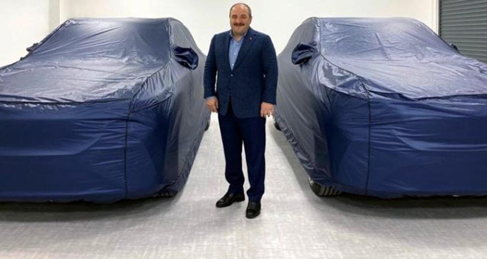 Bakan Varank'tan yerli otomobil yorumuna esprili yanıt: Böyle temenni mi olur