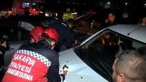 İki otomobil çarpıştı: 1'i ağır 5 yaralı