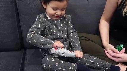 Ce père voulait offrir un cadeau pourri à sa fille, il ne s'attendait pas à sa réaction