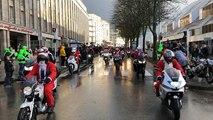 Un de 200 Pères Noël à moto !