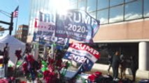 Impeachment : Donald Trump profite de la situation