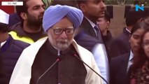 Watch: Sonia,Rahul, Manmohan  read Constitution's Preamble at Raj Ghat protest