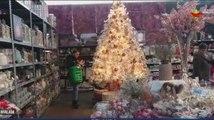 Warga Belanda Berburu Pernak-pernik Natal