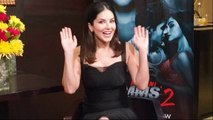 Sunny Leone sends out Christmas and New Year wishes