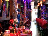 CHRISTMAS BAR! Miracle at Blue Hound has all the bells and whistles - ABC15 Digital