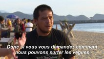 Après le tsunami, le retour à la mer et à la vie grâce au surf