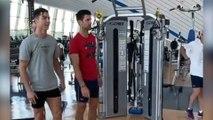 Cristiano Ronaldo joue au professeur de saut avec Novak Djokovic