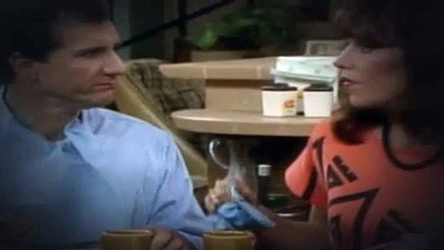 Married with Children S02E10 The Razor's Edge