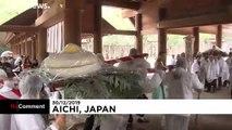 Giappone: torte di riso giganti offerte al santuario per il nuovo anno