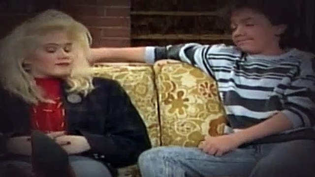 Married with Children S02E19 Im-Po-Dent