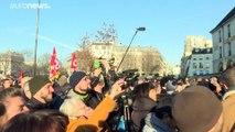 Après les danseuses, les musiciens de l'Opéra de Paris dans la rue pour protester