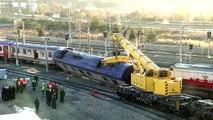 Raydan çıkan boş tren hatta yerleştirildi (6)