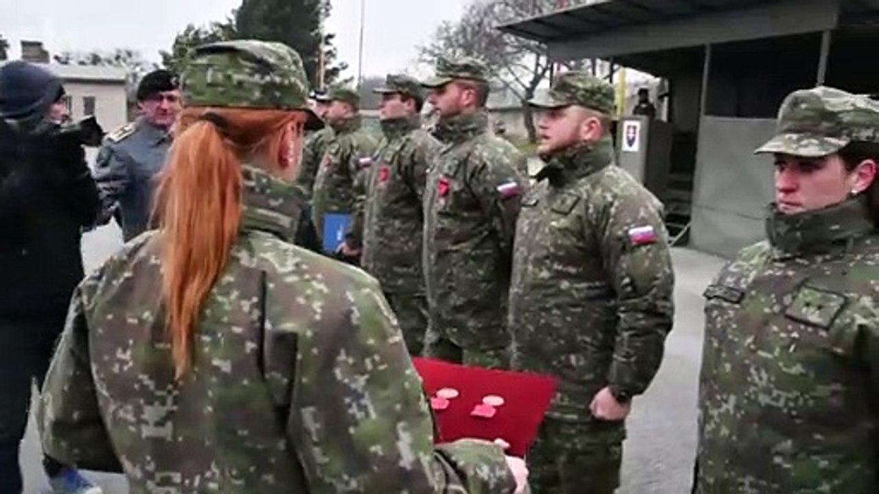 Minister Gajdoš ocenil vojakov, ktorí pomáhali po výbuchu bytového domu v Prešove