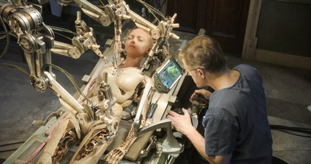 【奶酪看电影】医生修复女孩残骸,发现她是300年前的战斗天使,无人能敌