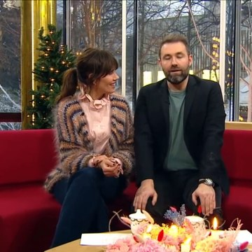 3; DRAMA - Ild i adventskrans på direkte tv | Nyhederne | TV2 Danmark