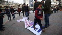 Palestinians burn US, Israeli flags to protest Qasem Soleimani's death