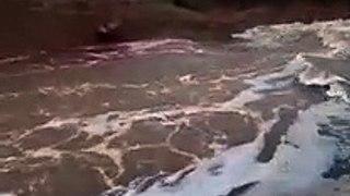 Açude sangrando na região de Cajazeiras