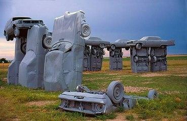 Increíbles monumentos construidos con automóviles