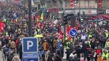 - Paris'te Emeklilik Reformu Karşıtı Gösteri