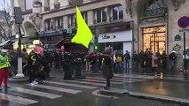 Retraites: tensions à Paris en fin de manifestation