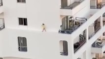Un juez investiga el caso de la niña de 5 años que se paseó por una cornisa en Adeje (Tenerife)