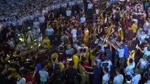 Nazareno 2020: At Plaza Miranda, police clash with Traslacion devotees