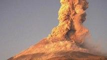 Les images très spectaculaires d'une nouvelle éruption du volcan Popocatepetl au Mexique