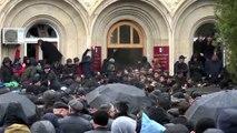 Una multitud asalta y roba armas en la sede de Presidencia de Abjasia