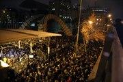 Son dakika: Tahran'da uçakta hayatını kaybedenler için düzenlenen anma, hükümet karşıtı gösteriye dönüştü