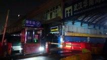 Autoridades sanitarias chinas reportan primera muerte por misterioso brote de neumonía