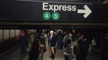 """""""No Pants Day"""": les New Yorkais prennent le métro sans pantalon"""