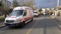 Kamyonetle taksinin çarpışması sonucu 2 kişi yaralandı