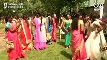 भारत के अलग-अलग राज्यों में दिखी त्यौहारों की रौनक