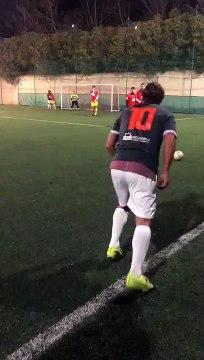L'incroyable coup franc de Francesco Totti... à 43 ans