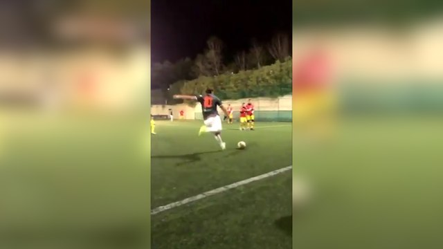 Le coup-franc surpuissant de Francesco Totti